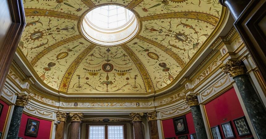 Inside Uffizi Gallery